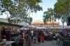 foule au marché de Pignan de jour